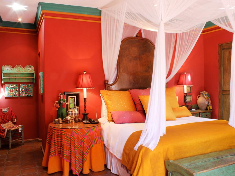 Original_Carole-Meyer-colorful-mexican-bedroom_s4x3.jpg.rend.hgtvcom.966.725