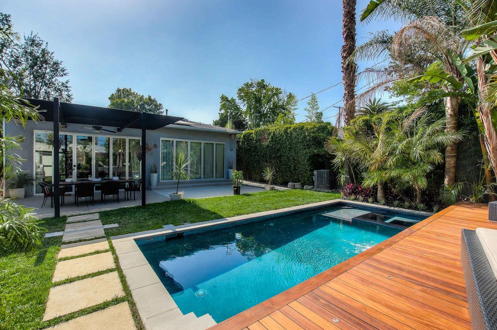 Sherman Oaks modern pool and landscape