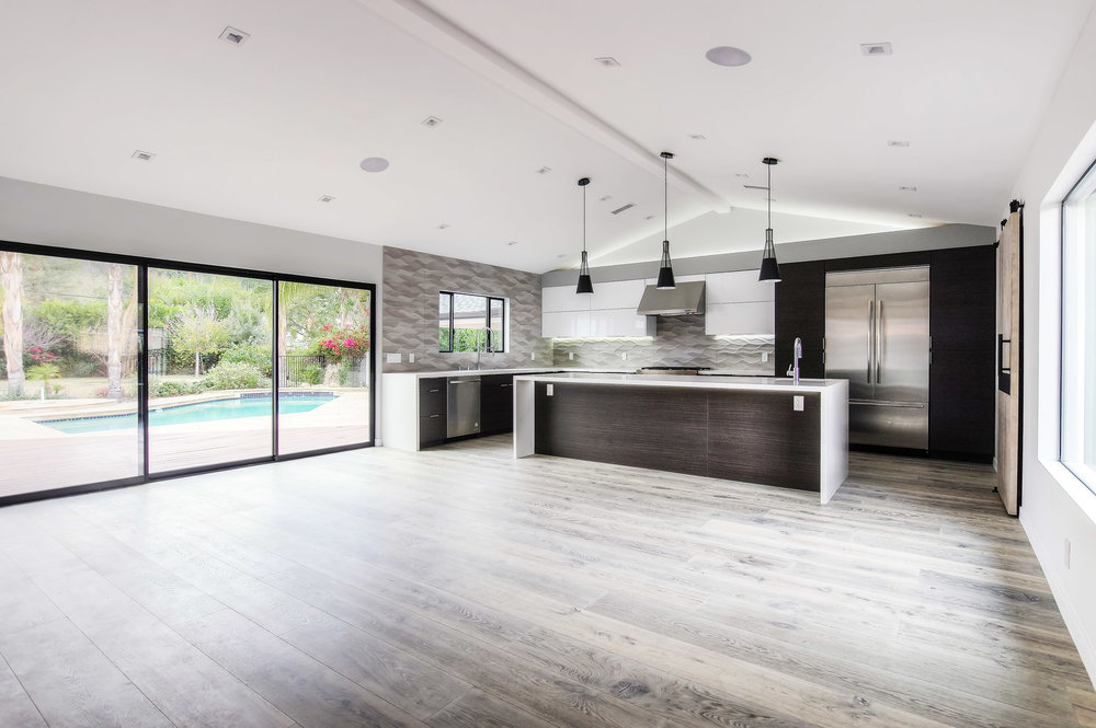 Modern and spacious kitchen