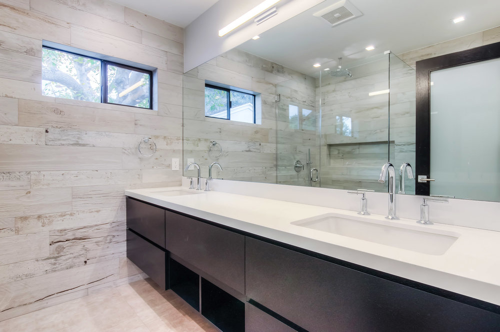 Modern and bold master bathroom