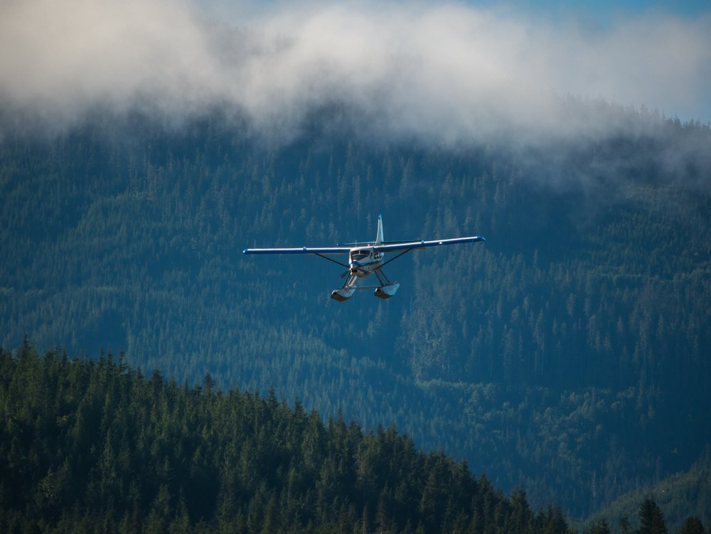 flying-to-ucluelet.jpg