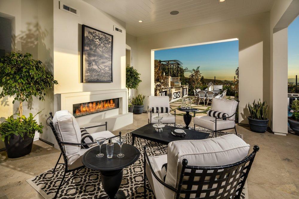 3-Estrella-Altamira_Outdoor Room.jpg