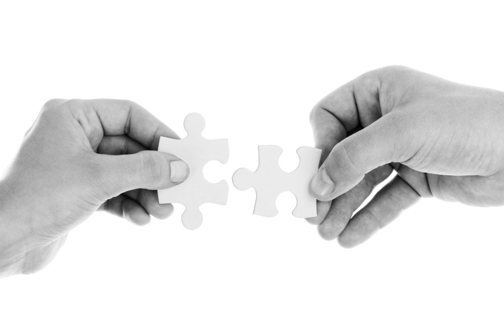 2900301-hands-people-cooperation-puzzles___people-wallpapers.jpg