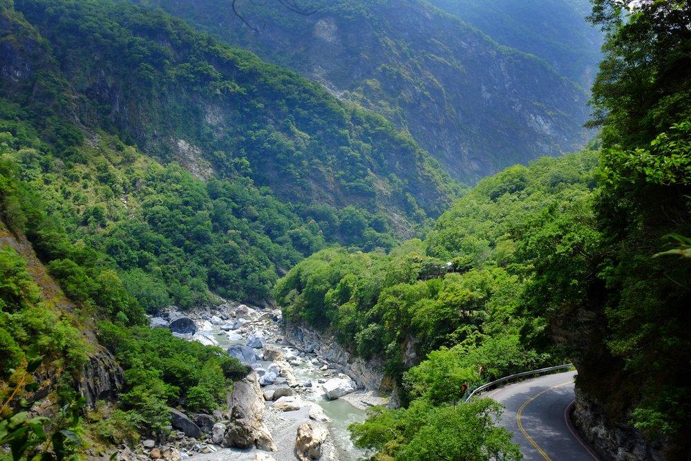 lushui trail taroko gorge
