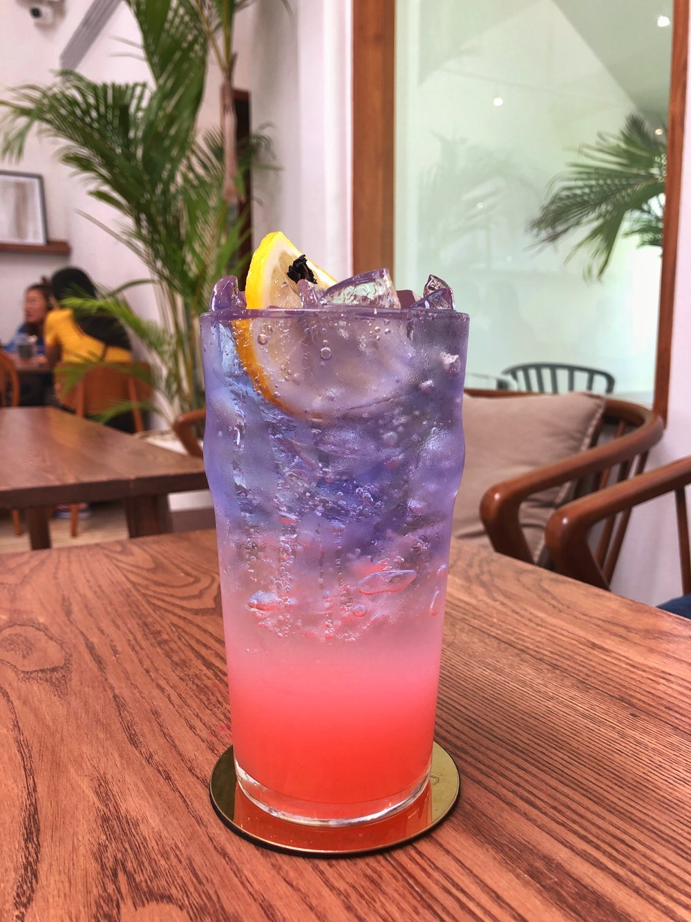 busaba cafe & meal ayutthaya butterfly pea lychee peach soda