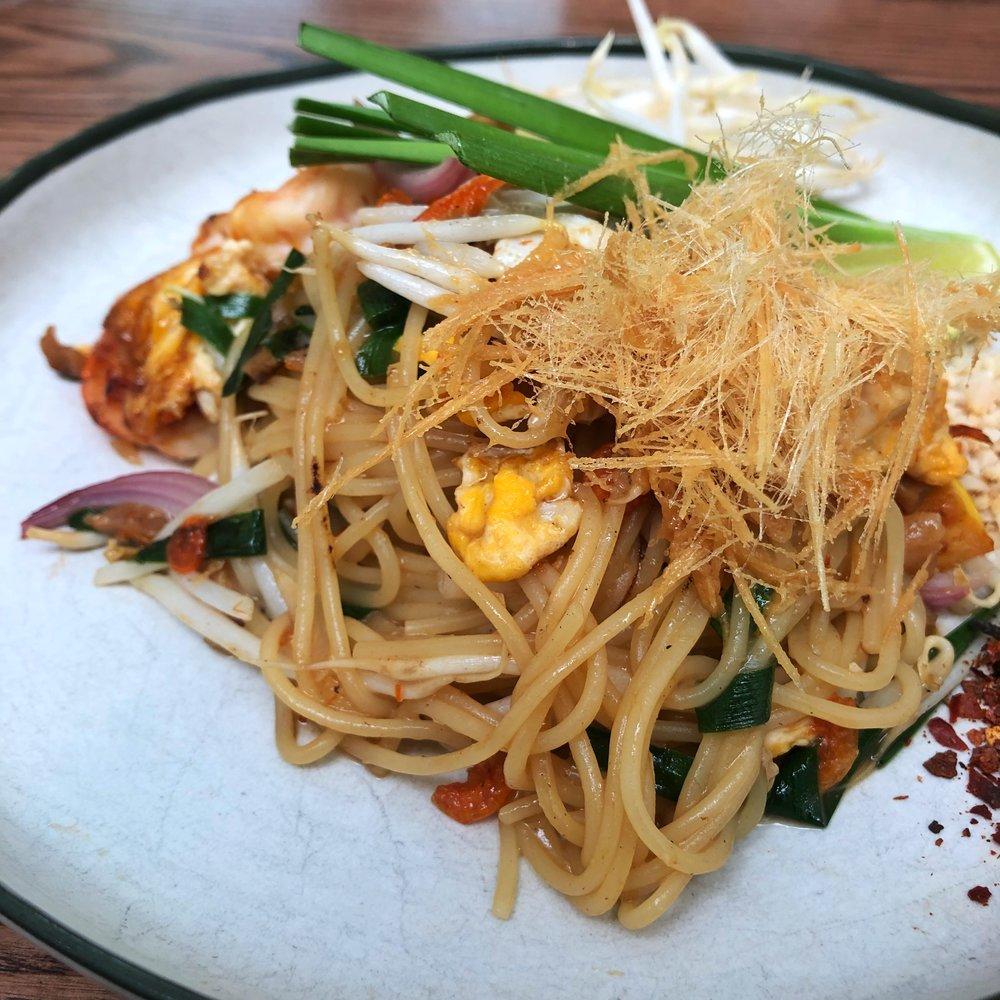 busaba cafe & meal phad thai spaghetti