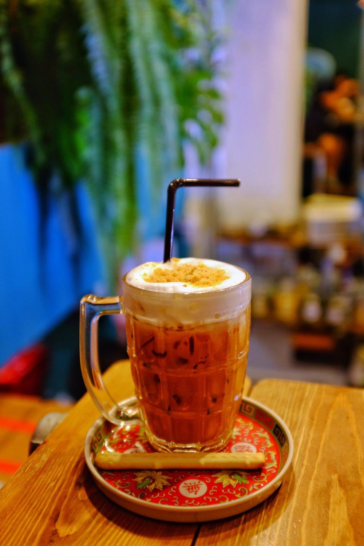 Lhong tou cafe bangkok yaowarat signature thai ice tea