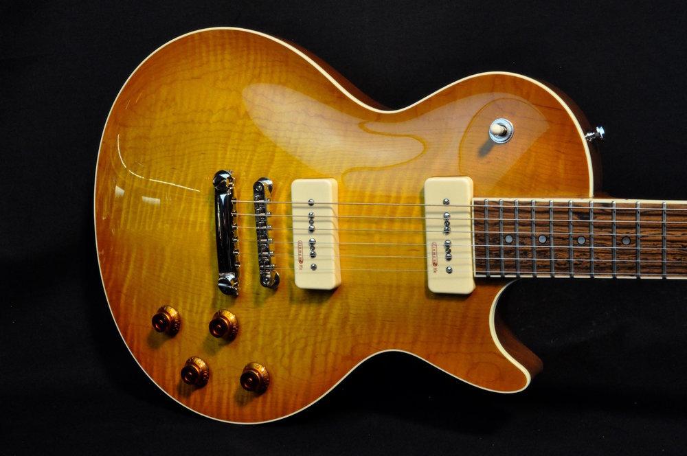 Torzal_Guitars_Guitar_Header_1920.jpg
