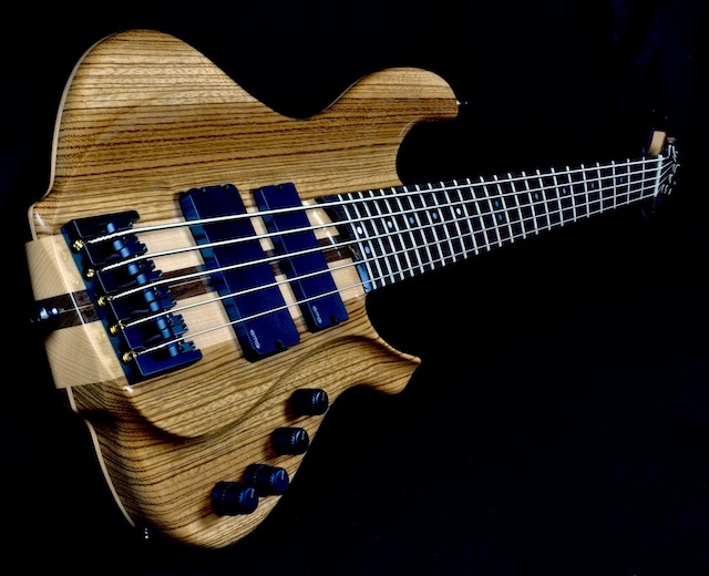 The Natural Twist ergonomic neck is available across the full line of Torzal instruments.