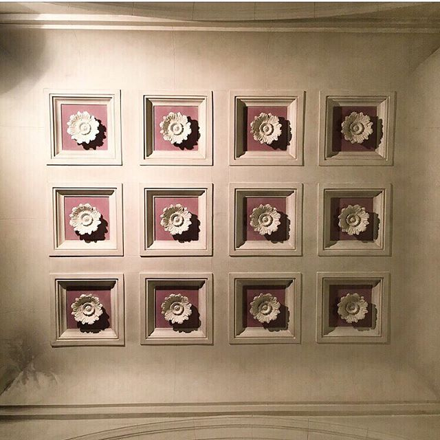 Happy Saturday! Look up, way up! Check out this beautiful ceiling in the stairwell at the Fairmont Palliser Hotel, right beside the front lobby! I was on my way down to the coffee shop on the lower level when I looked up and snapped this photo a few weeks ago. Beautiful detail! * * * #fairmontpalliser #curiocitycalgary #fairmontmoments  #fairmonthotels #interiordecor #ceiling #architecture #ceilingart #architecturaldesign #ceilings #ceilingarchitecture #architectural #cprhotel #hoteldecor #hotellobby #canadianpacifichotels #calgaryisbeautiful #ihavethisthingwithceilings #fairmontpalliserhotel