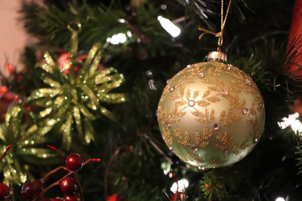 Christmas ornaments on the tree at the Jasper Park Lodge! Photo by: Lighter Side Interiors