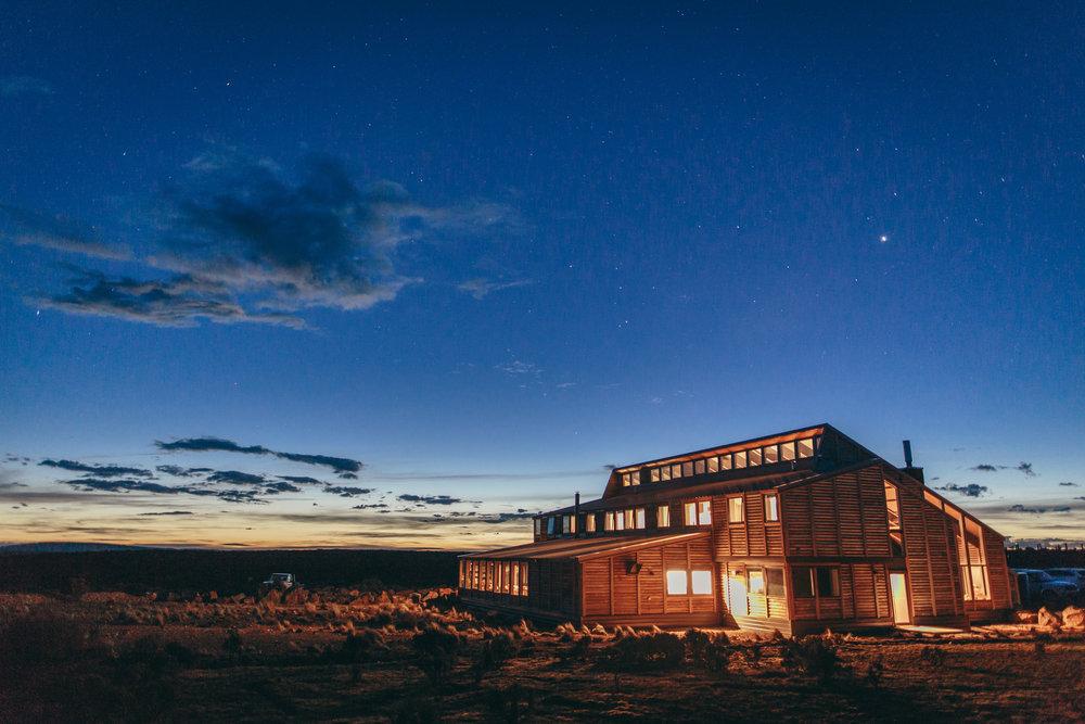 High Res 300dpi Thousand Lakes Lodge exterior Lodge 2 .jpg