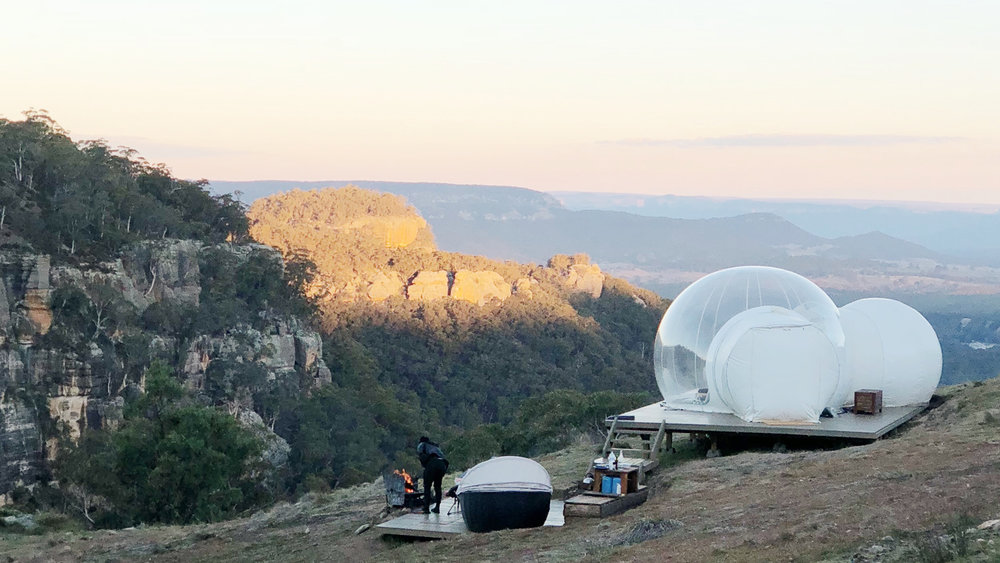 BUBBLETENT AUSTRALIA  Bubble living just 3 hours from Sydney Airport in the Capertee Valley. Surrounded with incredible views by day and a million stars by night.