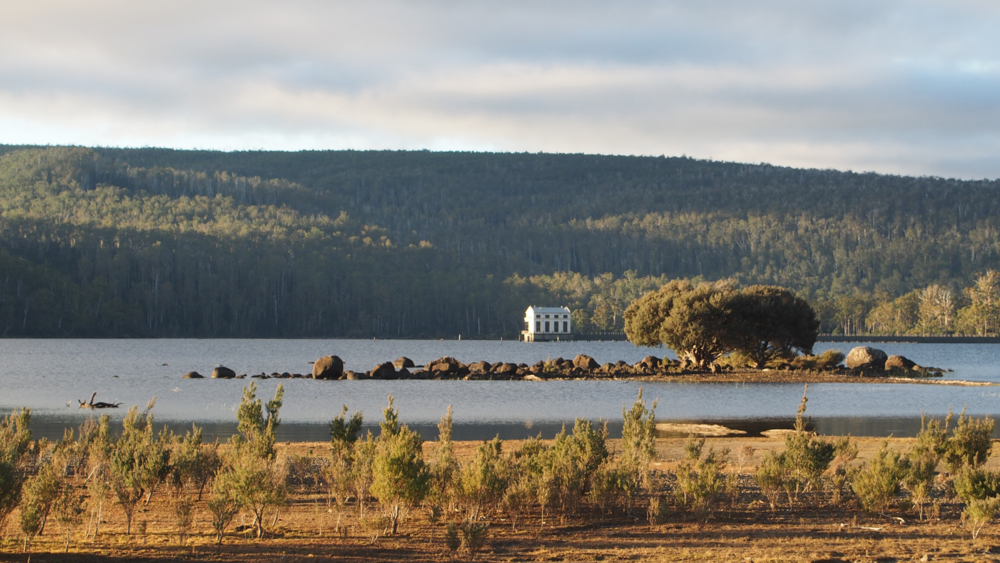 PUMPHOUSE POINT, LAKE ST CLAIR  When an opening became available for this special escape, my husband jumped right to it. Mind you the booking was made 6 months in advance…