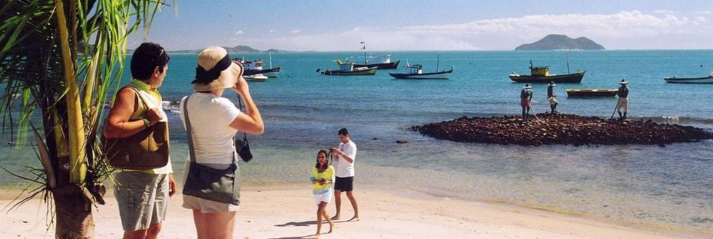 turistas-estrangeiros.jpg.1340x450_default.jpg