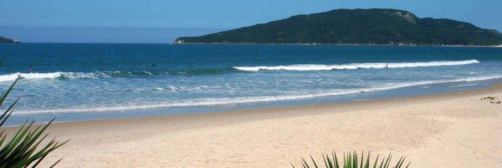 praia-em-frente-ao-hotel1.jpg.1340x450_default.jpg
