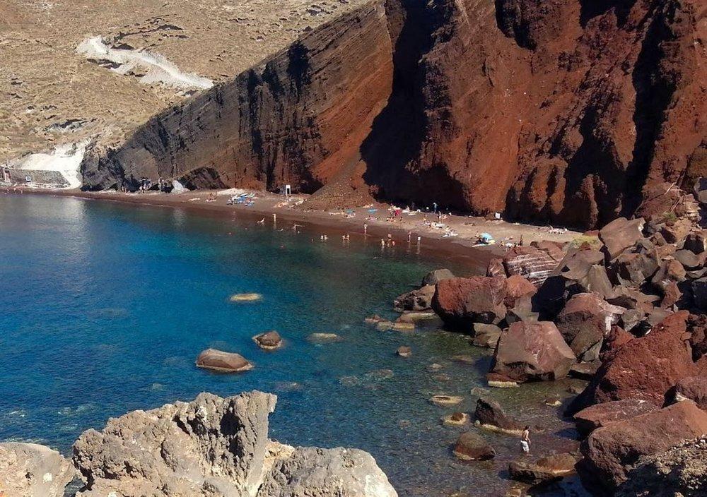 praias-grecia-a-praia-vermelha.jpg