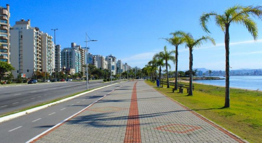 Provas devem aproveitar as belas paisagens de Florianópolis, como a Avenida Beira-Mar Norte. Imagem: DN Sul. .