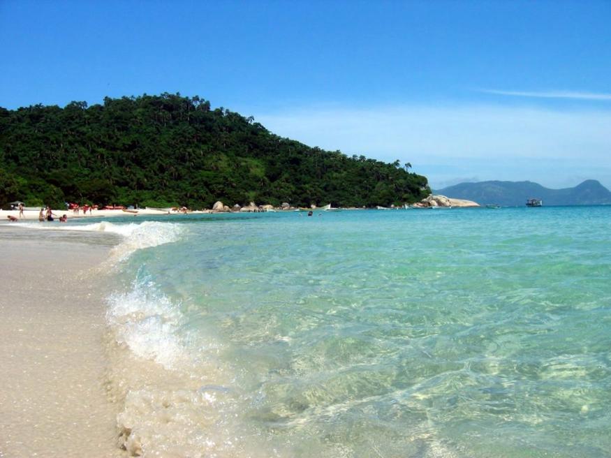 Águas cristalinas do Campeche atrai turistas em peso. Imagem: Mitica.Tur.