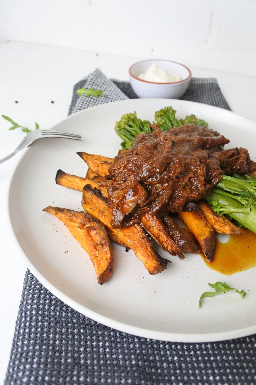 SLOW-COOKED BBQ BEEF BRISKET