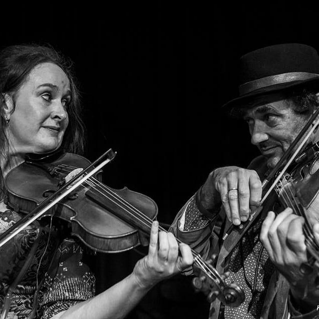 Scheepskameel live: Janneke en David vieren de liefde met muziek! Dè Remedie tegen Tragedie - dát is Scheepskameel!