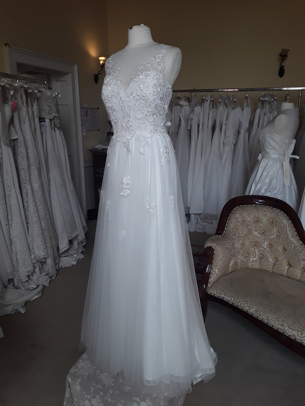 White Rose Straight Tulle Dress with Embroidered Flower Detail  Colour: ivory  Size : 16  Was €1,395 now €599  Ref: E103