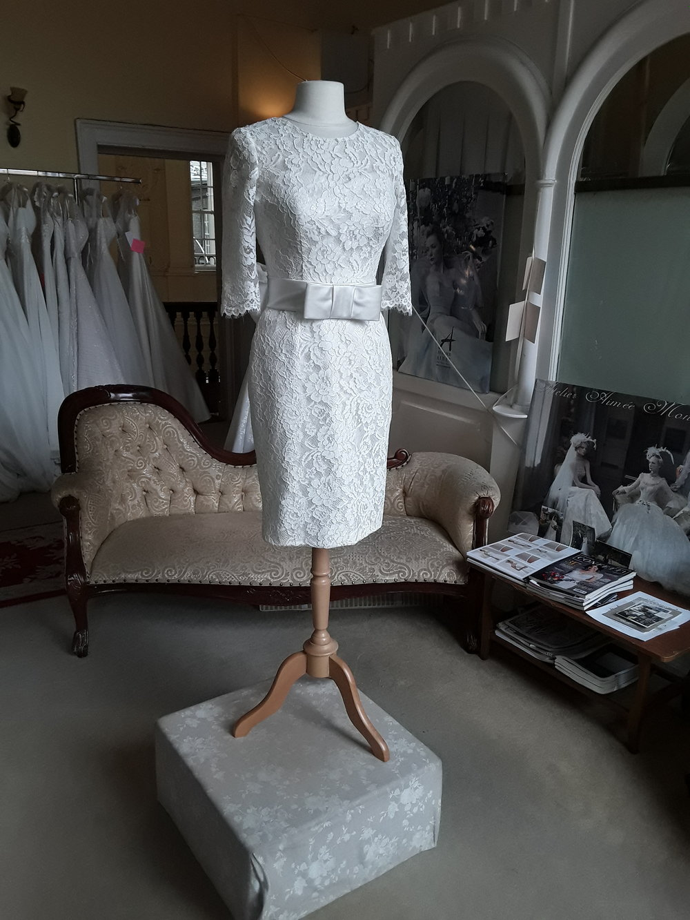 WHITE ROSE - SHORT LACE DRESS  SIZE - 10  COLOUR - IVORY   WAS €785 NOW €495  E117