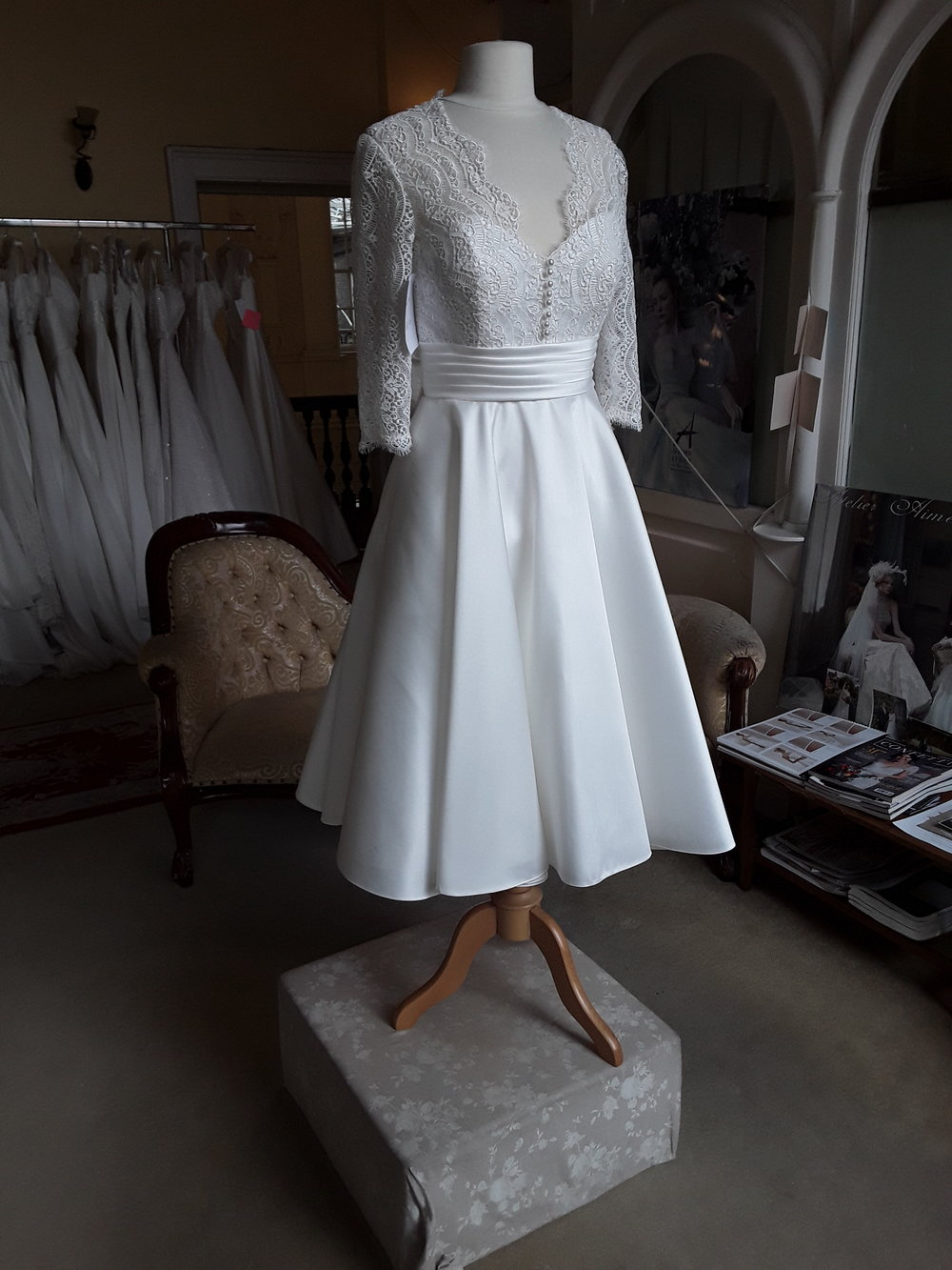 WHITE ROSE T - LENGTH SATIN/LACE DRESS  SIZE: 12  COLOUR: IVORY  WAS €1150 NOW €995  Ref: E118