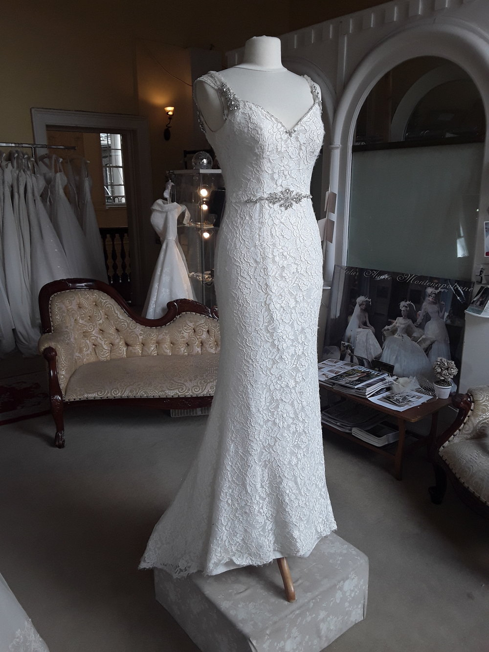 PLBG LACE STRAIGHT DRESS WITH DIAMTE STRAPS AND BELT DETAIL  COLOUR: IVORY  SIZE: 8  WAS €1,395 NOW €499  REF: E124