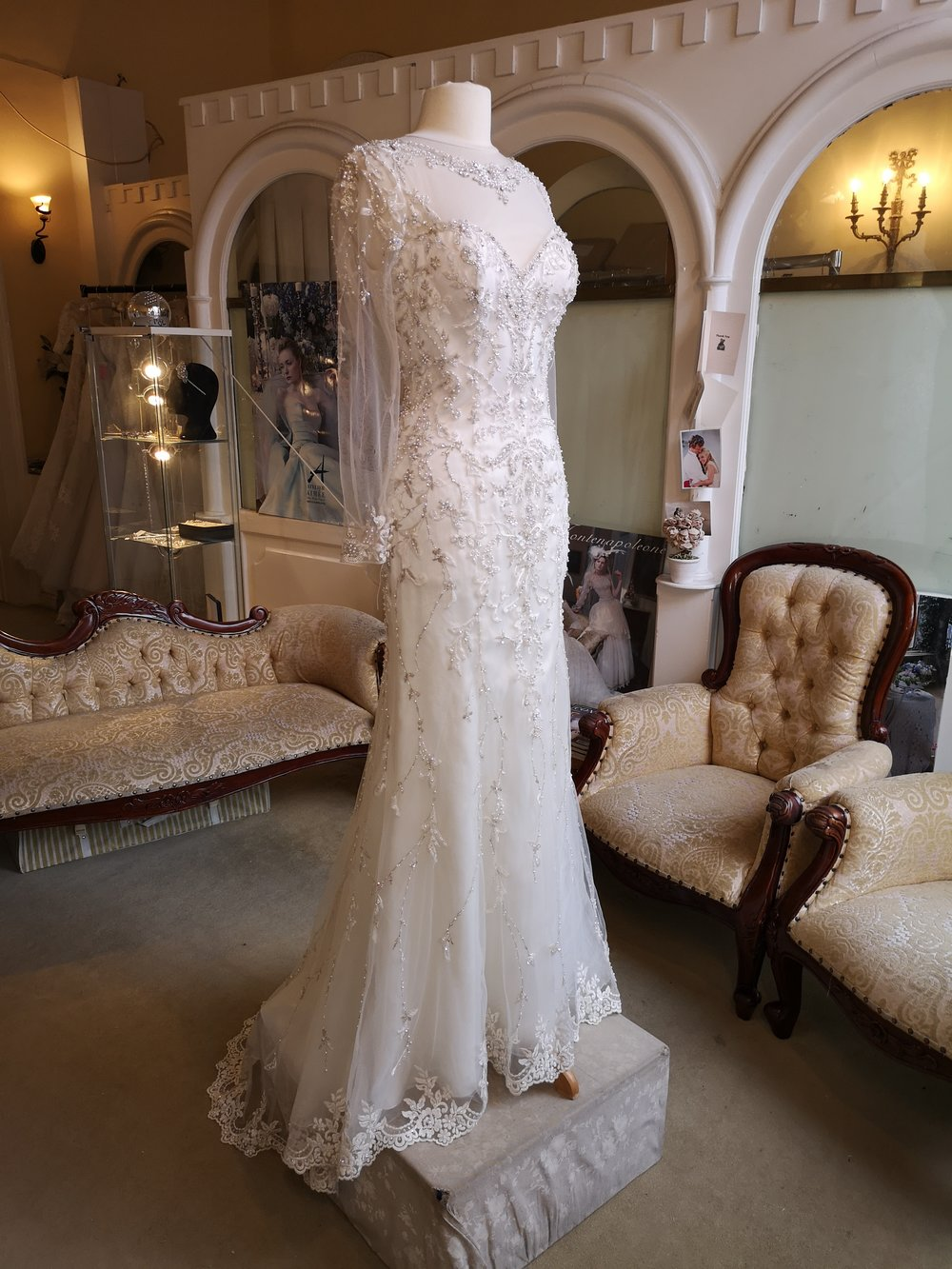 Kenneth Winston Cotoure Embelished Dress  Colour: Ivory with embelishment  Size : 12  Was €2,700 now €1500  Ref: E104