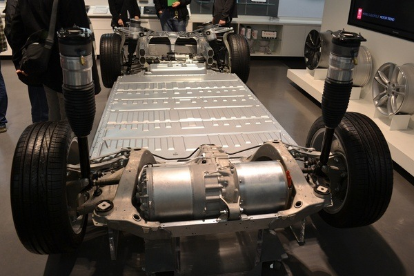 Model S battery and drive train