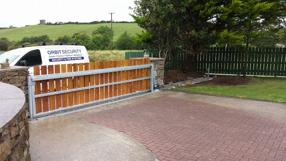 Domestic Sliding Gate System installed in Rossnowlagh