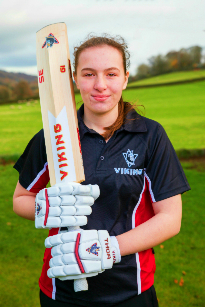 Bethany Harvey - 15 years old Bethany has represented Lancashire from U11's right through to U15's now.A left arm seam bowler that bats right handed, she also plays regularly in both men's and women's senior cricket.Beth will be using the Red Thor equipment for 2018 not a surprise as she is representing Lancashire. Watch out for some Thunder from Beth in 2018.Follow Beth on Twitter to see how her season progresses. twitter.com/B3thanyHarv