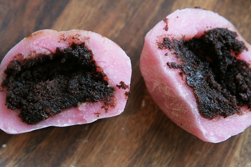 There is also everybody's favorite, the brownie filled mochi.  This was a winnah!  We couldn't try the strawberry mochi (fresh strawberries inside) because it wouldn't have traveled well, but we are going to for sure try them when on Big Island.