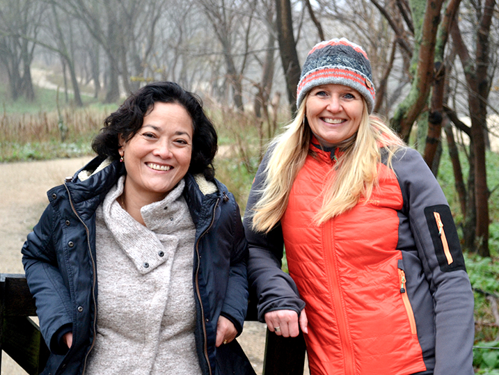 6° Founders - Gita (left) and Debbie (right) in The Hague