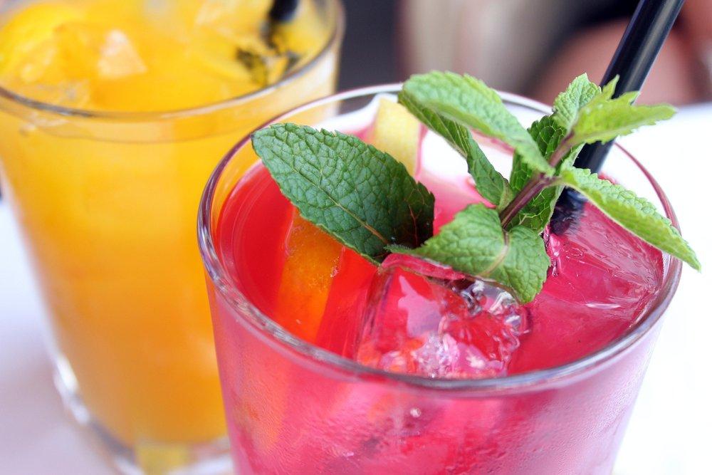 cocktail-1058237_1920.jpg