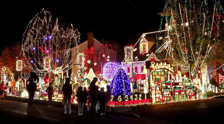 - Richmond's Famous Tacky Lights Tour €� 100 Miles Of Lights