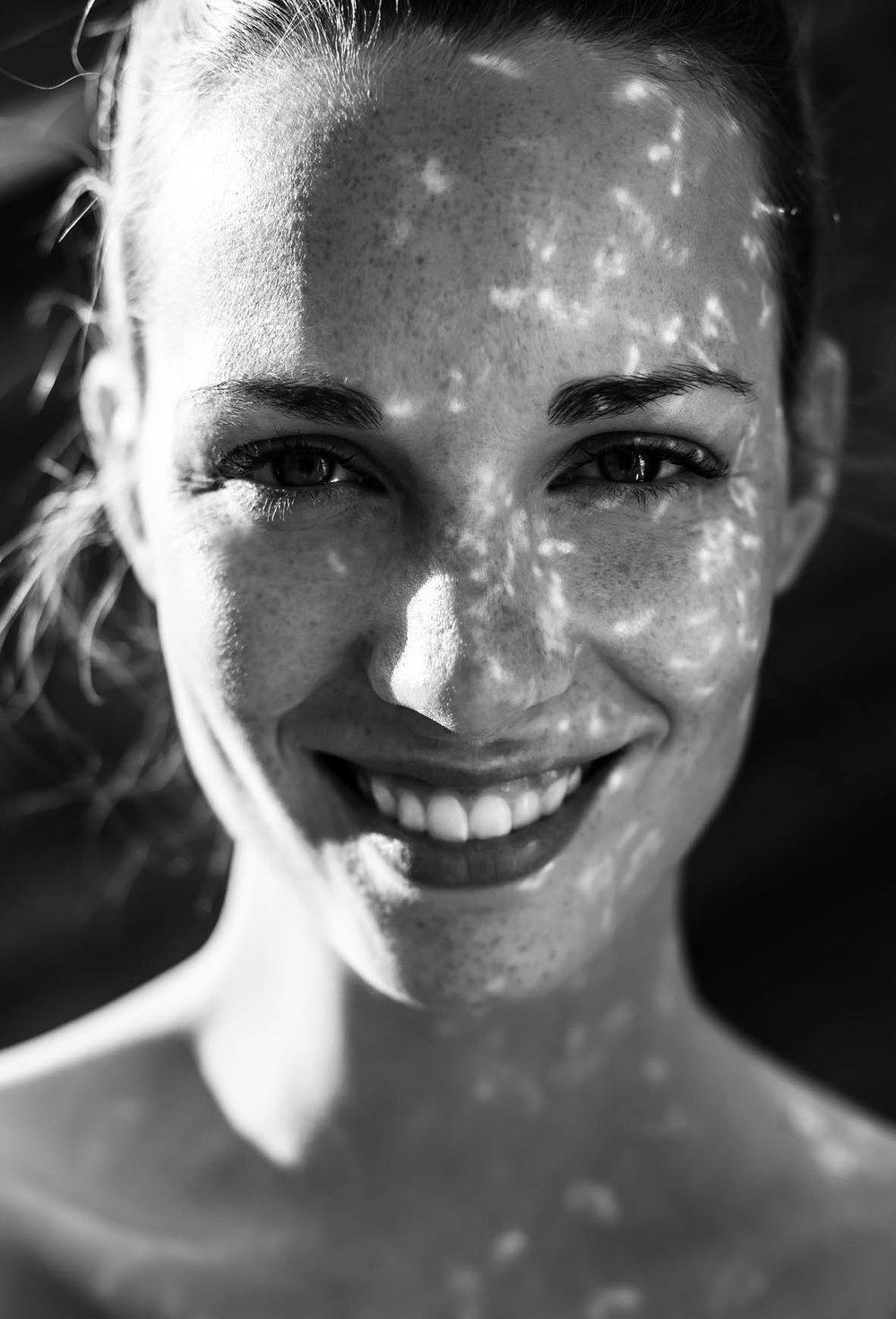 Schwarz-Weiß-Portrait von Julia