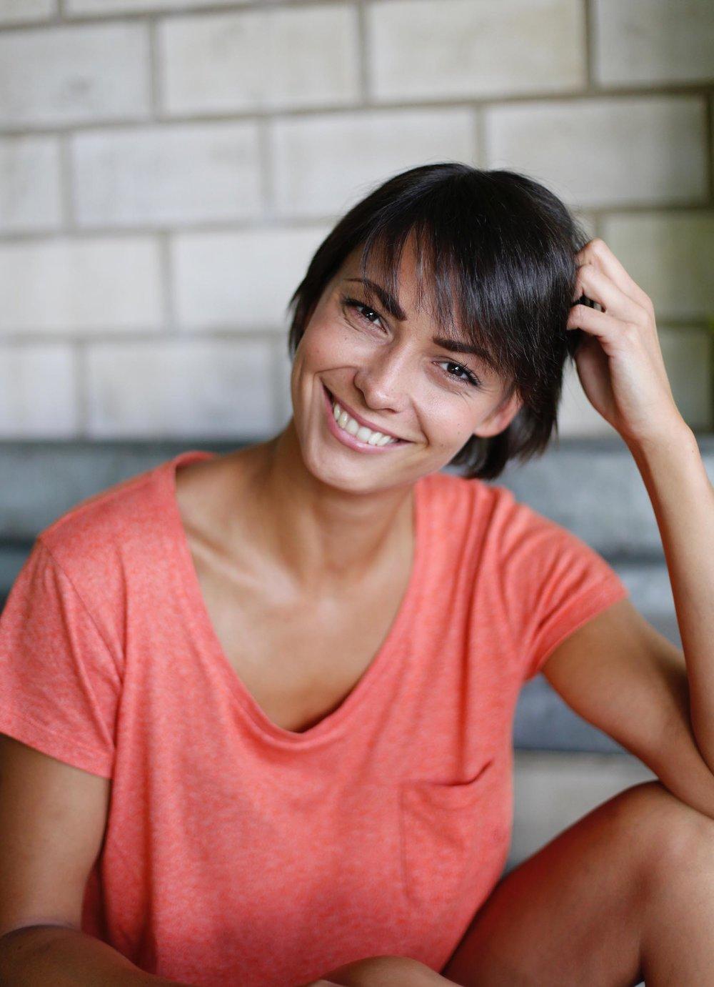 fröhliches Bild von Peoplemodel Kristin