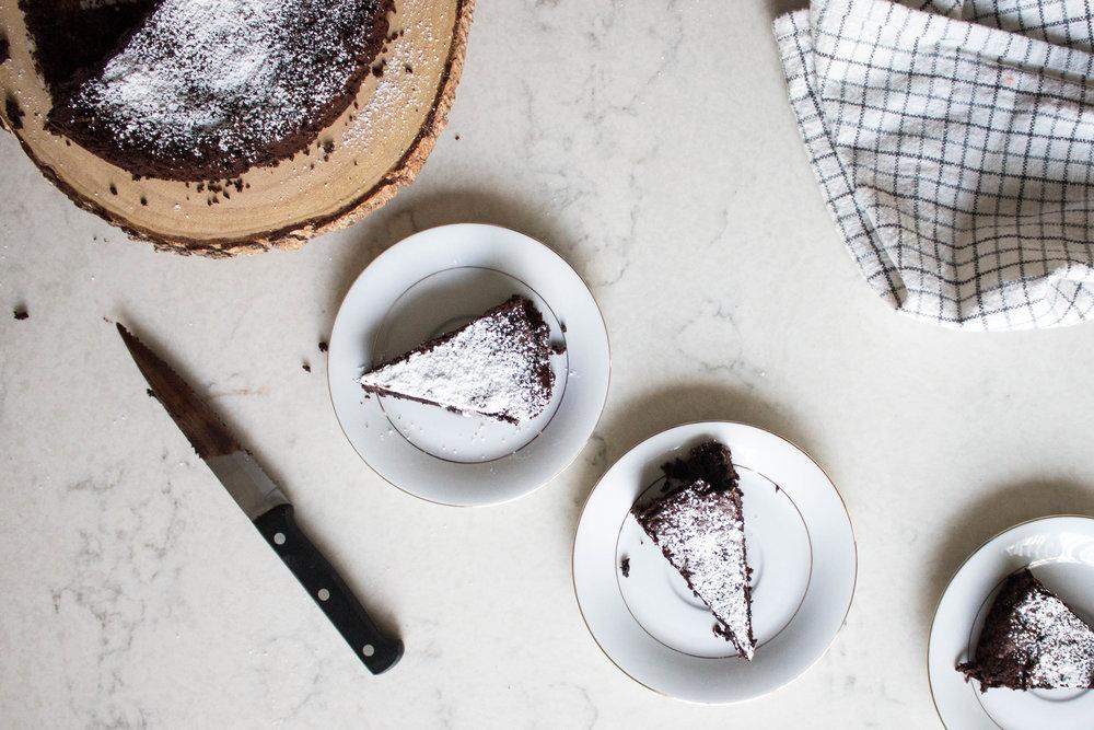 flourless chocolate cake-8.jpg