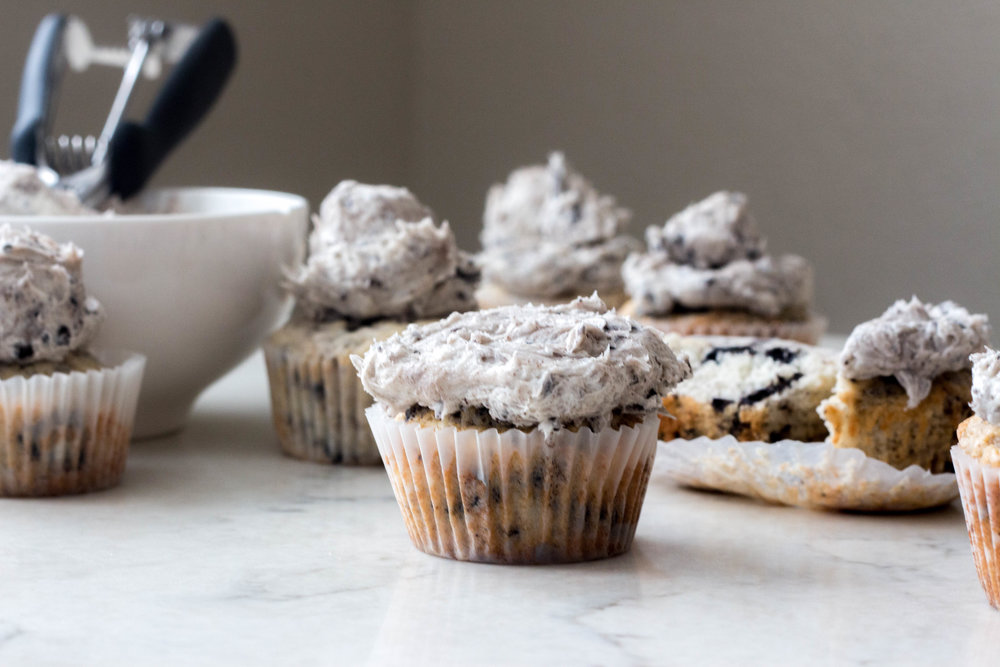 cookies and cream cupcakes-11.jpg