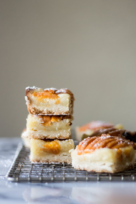 apricot almond bars-14.jpg