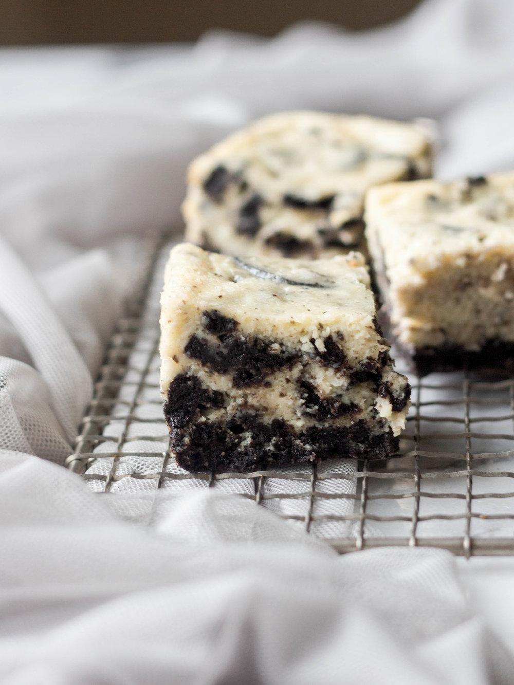 oreo cheesecake squares-12.jpg