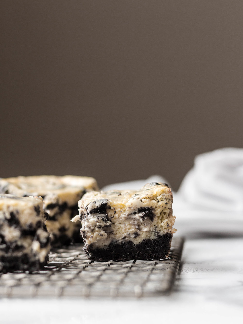 oreo cheesecake squares-11.jpg