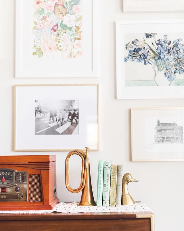 I'm in love with this space! Gallery walls can be tricky but @jessicarchibald did a beautiful job! These beautiful antiques are available in the shop. I can't wait to see how you style them!