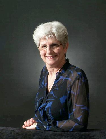Betsy Robinson, Organist