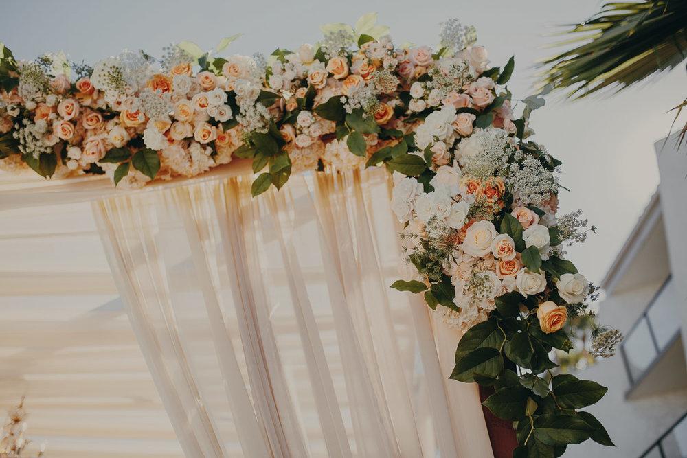 3 garden-style-wedding-flowers.jpg