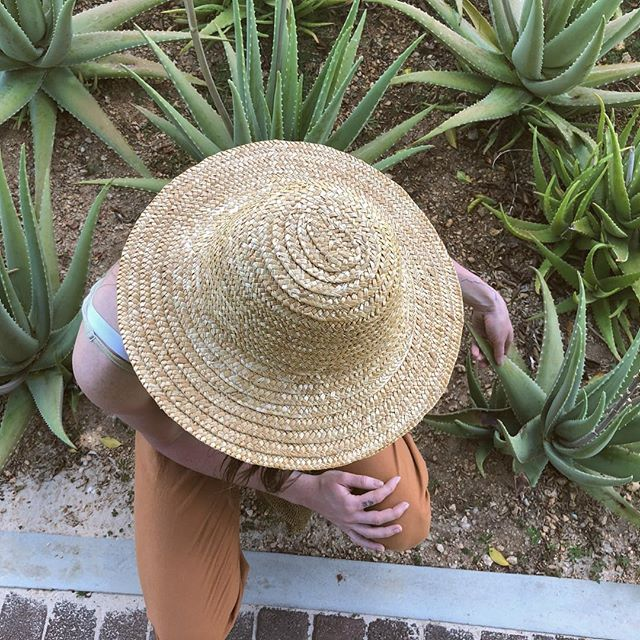 This hat is thrifted 😏 • • • #finditstyleit #fleamarketstyle #boho #bohemian #rattan #basketwall #basket #basketcollection #bamboo #thriftscore #woven #texture #wicker #showmeyourboho #shopsmall #zolafinds #ottawa #handmade #worn #gentlyloved #motherearth #vintageclothing #earthtones #folkstyle #ethicalfashion #earthpalette #repurposedclothing #saveourplanet