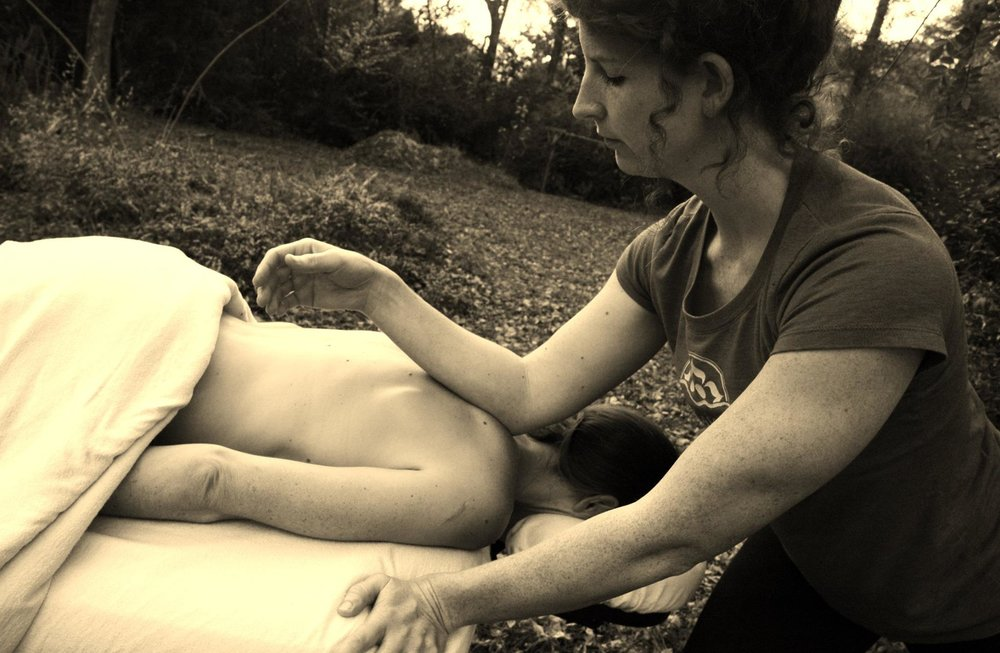 Therapeutic Massage - This is a massage where we focus on one or two specific issues, using a mix of Swedish, Deep tissue, Trigger Point therapy, and joint mobilization to address specific patterns of discomfort and pain in your body.