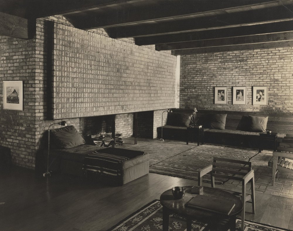 Living room--9276-H negative.jpg